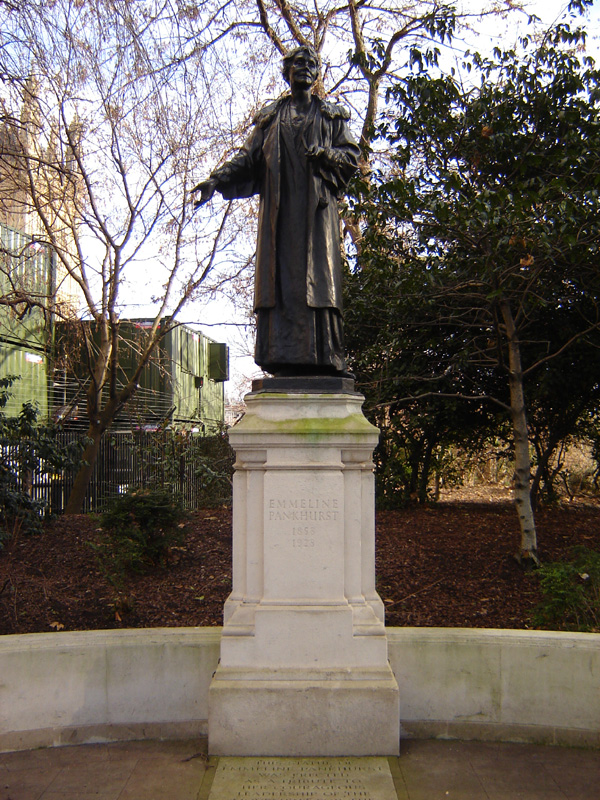 Westminster_emmeline_pankhurst_statue_1